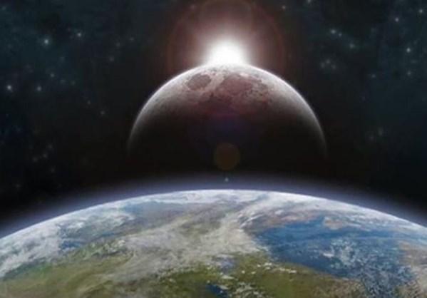 Η επιφάνεια της Γης κινείται πάνω - κάτω